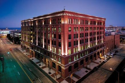 Inteligentná budova nemusí byť popretkávaná najnovšími technológiami