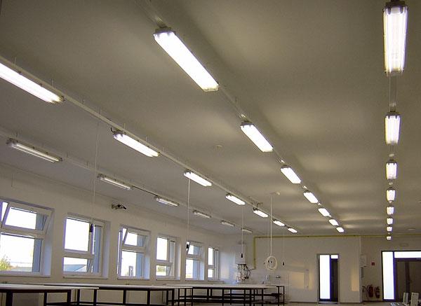 Inteligentný svetelnotechnický systém vpriemyselnom objekte