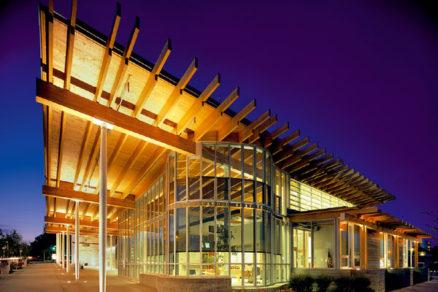 Knižnica známa vďaka streche