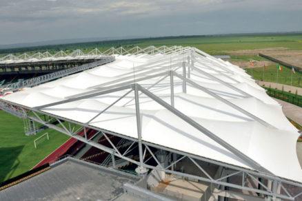 konstrukcie stadionov svelkymi rozpatiami