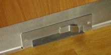Kuchynská štrbinová zásuvka pre systém centrálneho vysávania