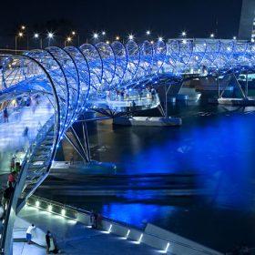 most v tvare spiraly helix bridge