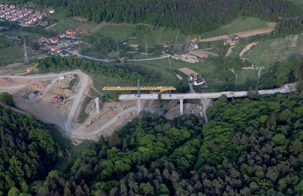 Mosty na diaľnici D1 vúseku Sverepec – Vrtižer