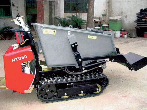 motorizovana kolecka apasove transportery aneb mechanizace pronika ido malych staveb