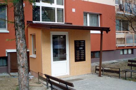 Možnosti obnovy vstupov do panelových bytových domov