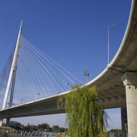 najvacsi jednopylonovy zaveseny most na svete
