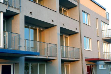 Okenný rám – štýlotvorný prvok fasády
