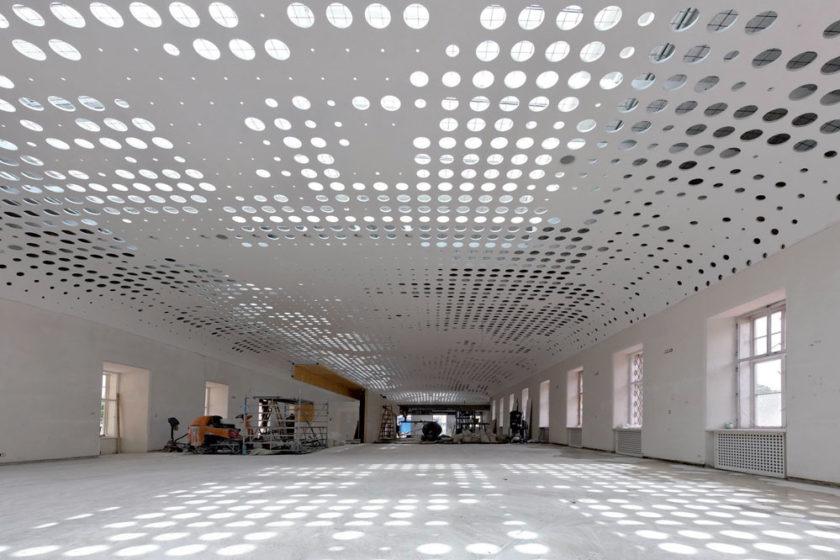 perforovany strop zo sadrovlaknitych dosiek