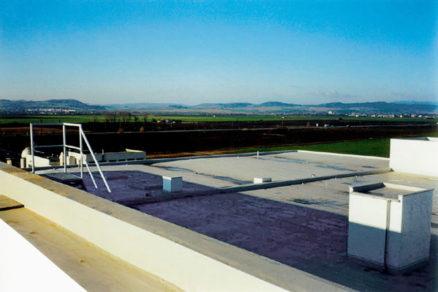 Ploché strechy ako výzva (profil spoločnosti Strestav)