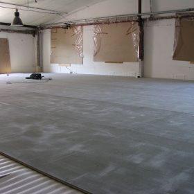 podlahy na baze cementotrieskovych dosiek vhodne na rekonstrukcie