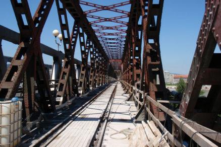Prieskumné vrty v pilieroch Starého mosta v Bratislave a ich videoendoskopia