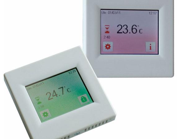 programovatelny dotykovy termostat