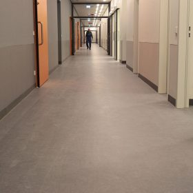 realizacia podlah v univerzitnej klinike v ulme