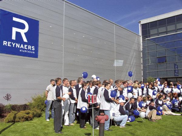 Reynaers Aluminium s novým logom