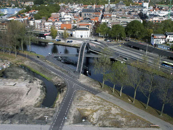 rozdvojeny most v severnom holandsku
