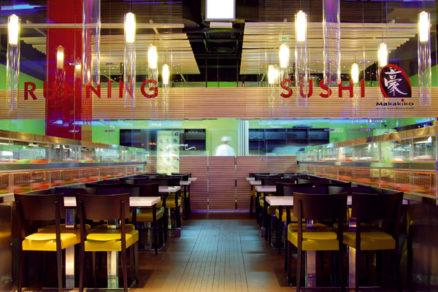 Running Sushi Restaurant z dielne TheLayers Architects