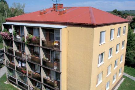 Šikmé strechy na panelové domy