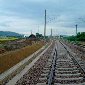 skanska odmieta rozhodnutie uvo v zeleznicnom tendri