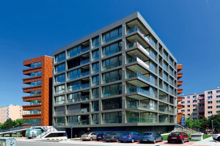 sprava rezidencnych a komercnych budov porovnanie