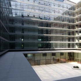 stredna europa v roku 2012 ziskala investicie len za 371 miliardy eur