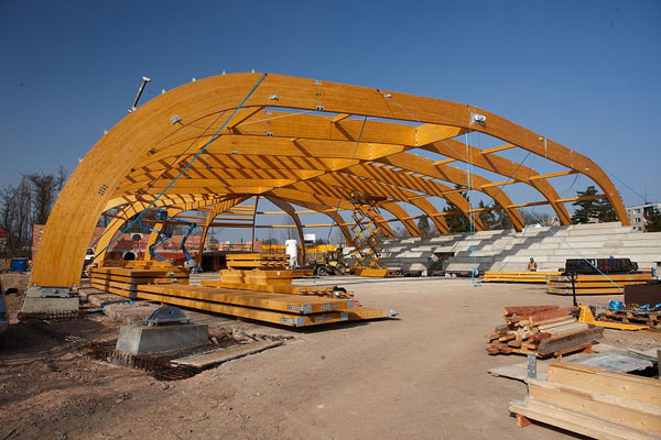 unikatni konstrukce jicinskeho zimniho stadionu z lepeneho lameloveho dreva