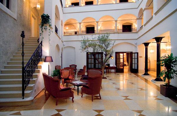 V Bratislave zasvietila piata hotelová hviezda