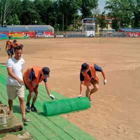 vyhrievanie travnikov futbalovych stadionov