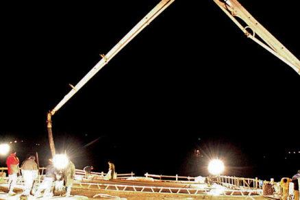 Výstavba mosta s použitím výsuvnej skruže