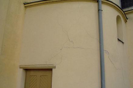 Zaistenie murovaných stavieb proti vplyvom technickej seizmicity