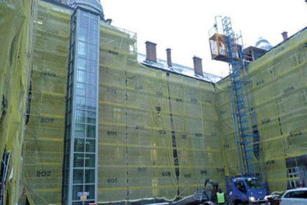 zastresenie atria a rekonstrukcia fasady ffuk v bratislave