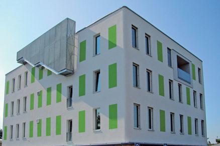 zateplenie prvej pasivnej administrativnej budovy v cr sivym polystyrenom